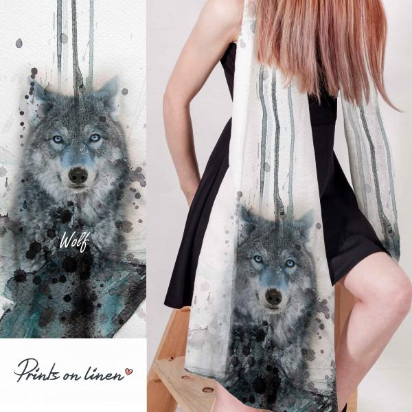 Linen scarf with wolf pattern